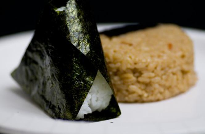 日本人の底力!ダシとおむすび作り | 遊楽食房